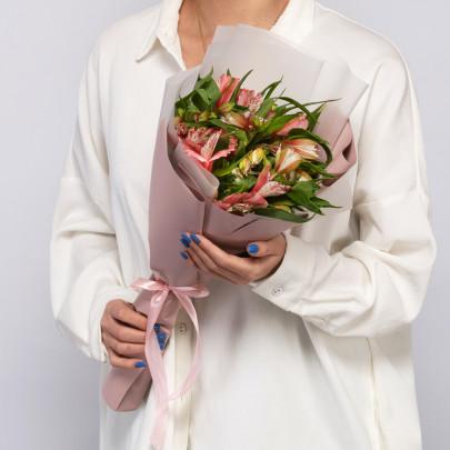 5 Бело-Розовых Альстромерий фото