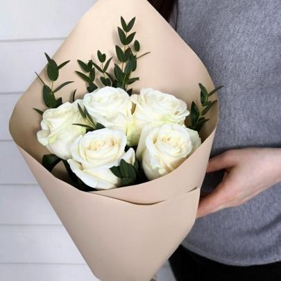 5 Белых Роз (50 см.)