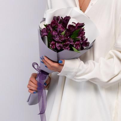 5 Фиолетовых Альстромерий фото