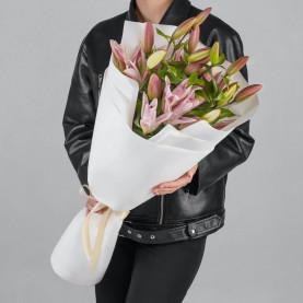 5 Розовых Восточных Лилий фото