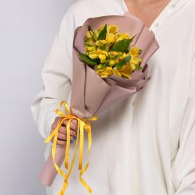 5 Желтых Альстромерий фото