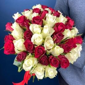 51 Красно-Белая Роза (40 см.) фото