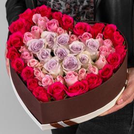 51 Роза Микс (40 см.) в коробке сердце фото