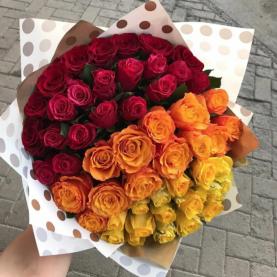 51 Роза Радуга (40 см.) фото