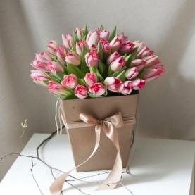 """Коробка цветов """"51 розовый махровый тюльпан"""" фото"""