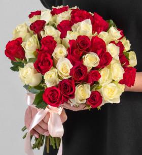 55 Белых и Красных Роз (30-40 см.) фото