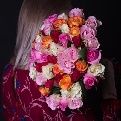 55 Разноцветных Роз фото