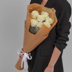 7 Белых Роз (60 см.) фото