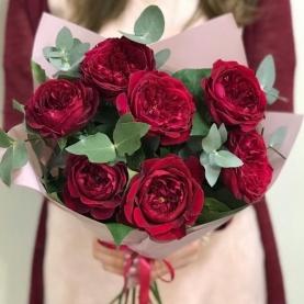 7 Красных Пионовидных Роз (50/60 см.) фото