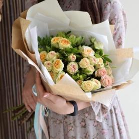 7 Кремово-Розовых Роз Кустовых Пионовидных (50/60 см.) фото