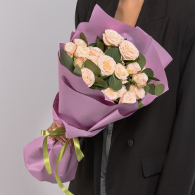 7 Кустовых Пионовидных Кремовых Роз (50 см.) фото
