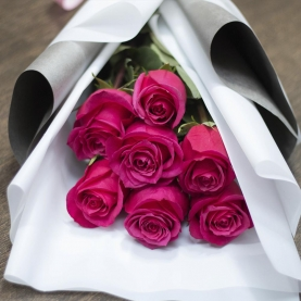 7 Малиновых Роз Эквадор (50/60 см.) фото