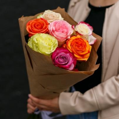 7 Разноцветных Роз Эквадор (50/60 см.) фото