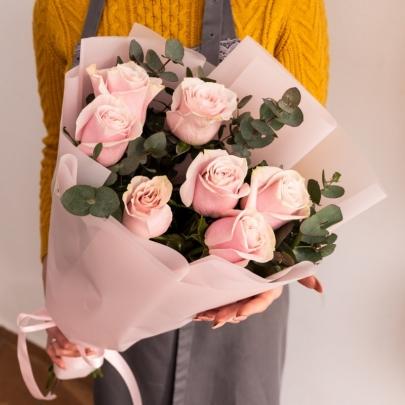 7 Розовых Роз Эквадор (50/60 см.) фото