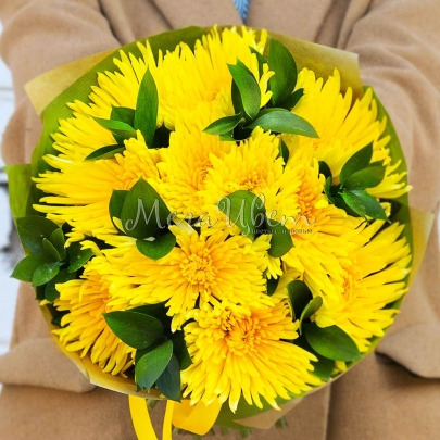 9 желтых хризантем фото