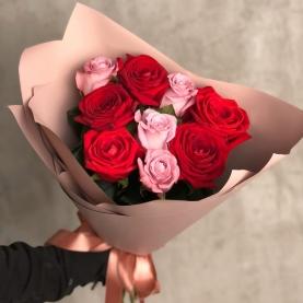 9 Красно Розовых Роз Эквадор (50/60 см.) фото