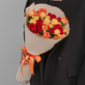9 Кустовых Роз Микс (50 см.) фото