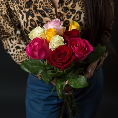 9 Разноцветных Роз Эквадор (60 см.) фото