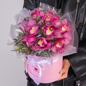 9 Розовых Орхидей в коробке фото