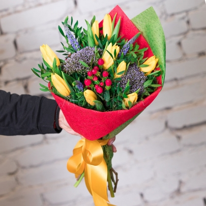 9 Тюльпанов желтых фото