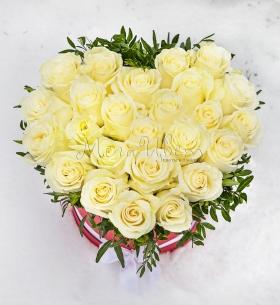 25 Белых Роз сердце фото