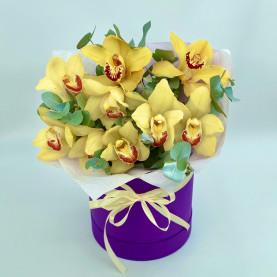 """Шляпная коробка """"9 Лимонных Орхидей"""" фото"""
