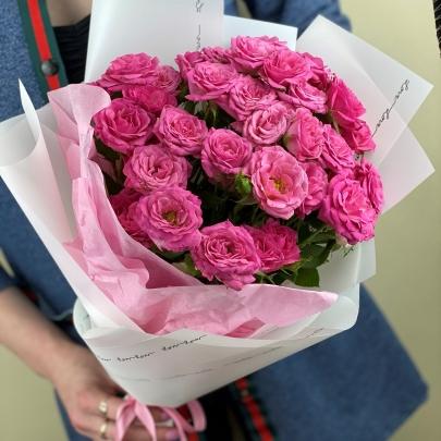 7 Ярких Роз Кустовых (50/60 см.) фото