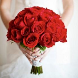 Букет Невесты Из Алых Роз фото