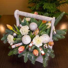 Новогодний ящик с цветами №1 фото