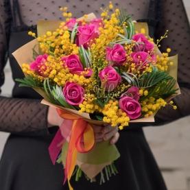 Букет цветов 8 Марта фото