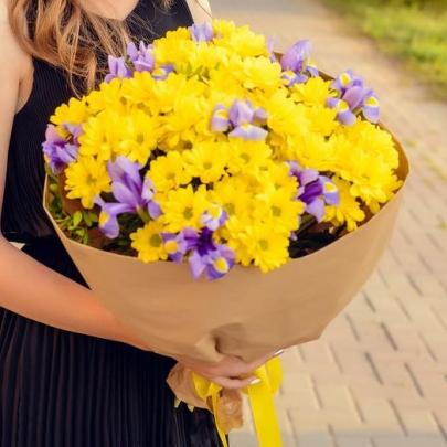"""Букет """"Желтая Хризантема и Ирисы"""" фото"""