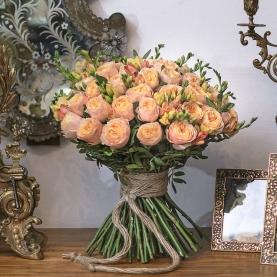 45 Пионовидных роз фото