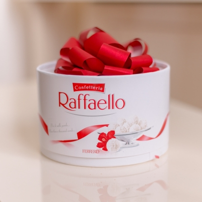 """Конфеты """"Raffaello"""" торт 200 гр. фото"""
