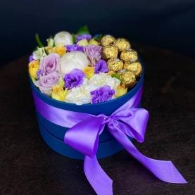 13 Цветков Микс в коробке с ferrero фото