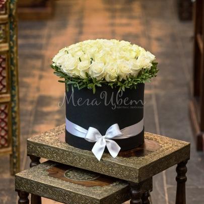 45 Белых Роз в коробке фото