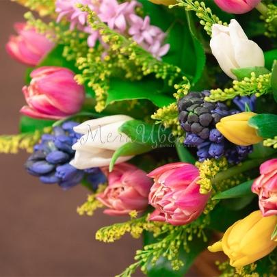 """Корзина с цветами """"С 8 Марта"""" фото"""