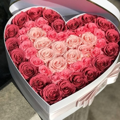 Сердце из 51 розы №3 фото
