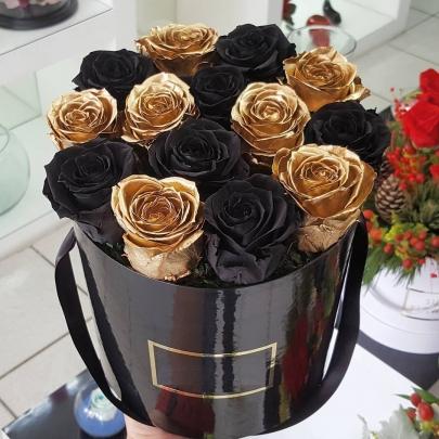 15 Золотых и Черных Роз (40 см.) в коробке фото