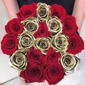 19 Красных и Золотых Роз в коробке фото