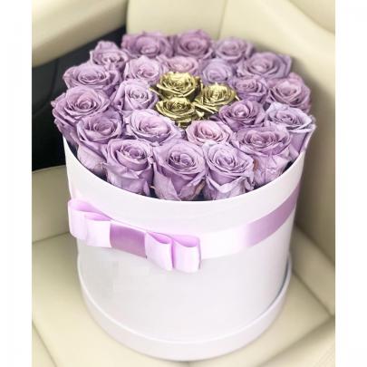 """Шляпная коробка """"25 Сиреневых и Золотых Роз"""" фото"""