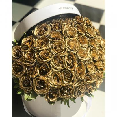 """Шляпная коробка """"65 Золотых Роз"""" фото"""