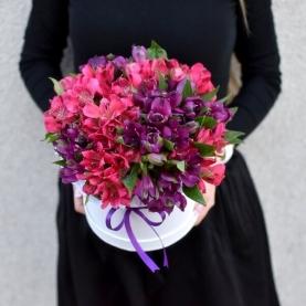 15 Розово-Фиолетовых Альстромерий в коробке фото