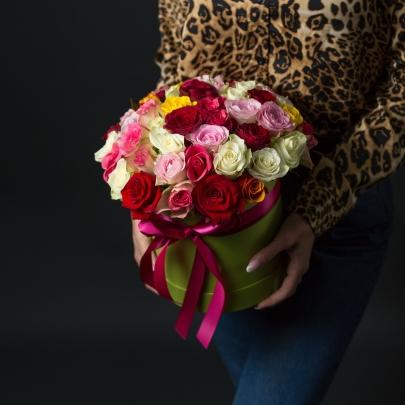 55 Разноцветных Роз в коробке фото