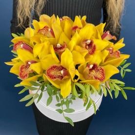"Шляпная Коробка ""Желтая Орхидея"" фото"