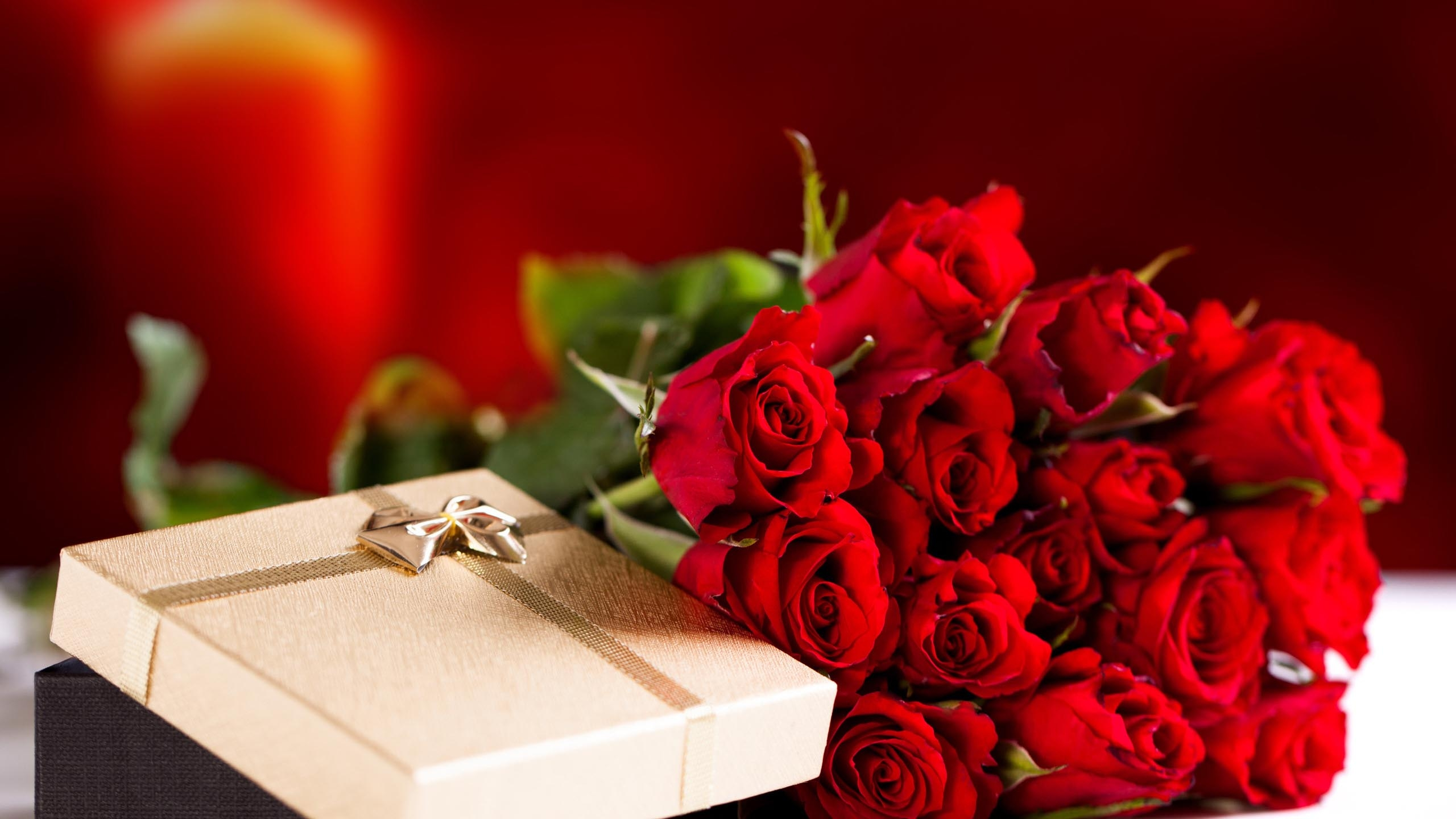 Что подарить девушке на свидание кроме цветов